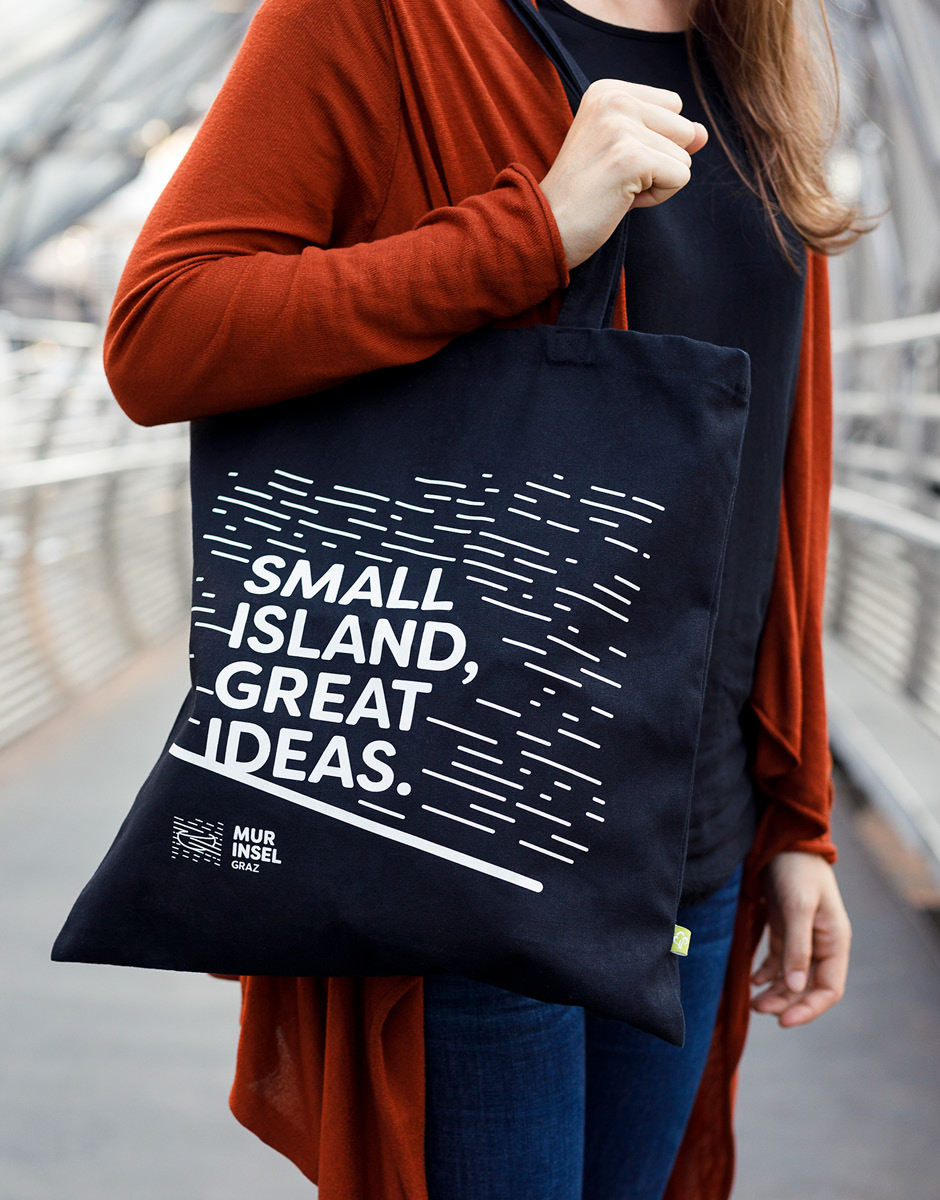 Markenentwicklung Printdesign Taschen von look design Graz fuer Murinsel