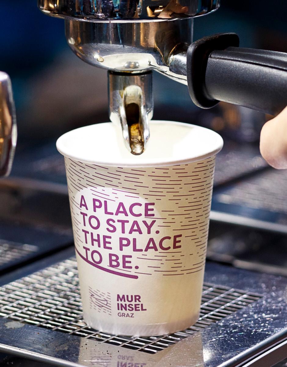 Markenentwicklung Printdesign Kaffeebecher von look design Graz fuer Murinsel