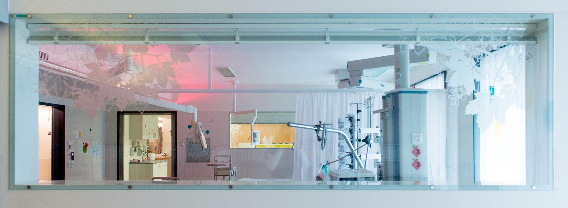 Raumgestaltung für das LKH Leoben von der Werbeagentur look! design