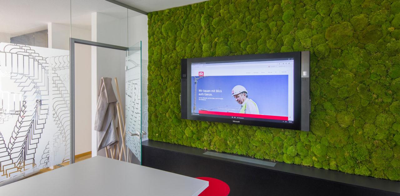Grünes Büro - Beispiel Mooswand bei Rhomberg Bau: Blogbeitrag der Designagentur look! design
